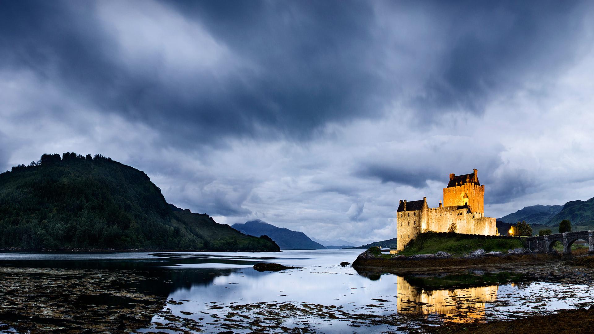 Eilean Donan Castle. Loch Duich, Scotland